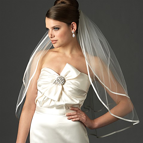 Ribbon Edge Elbow-Length 2-Layer Bridal Veil in Ivory