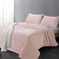 Luxe Embroidered Reversible King Quilt Set in Pink