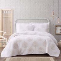 Cottage Classics Ogee 3-Piece Full/Queen Quilt Set in White/Khaki