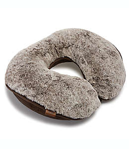 UGG® Pinecreek Faux Almohada afelpada para cuello en chocolate