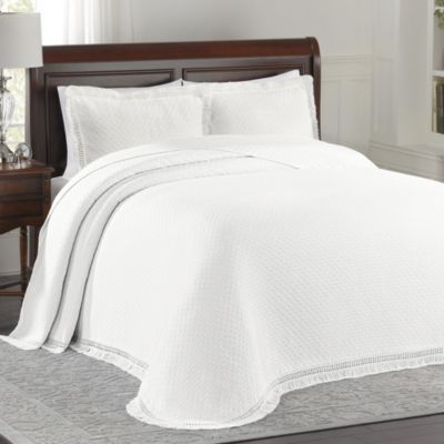 Lovely Lamont Home™ Woven Jacquard King Bedspread In White