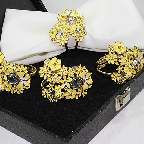 Carmona NY Feminine 4-Piece Napkin Rings in Yellow with Leather Gift Box