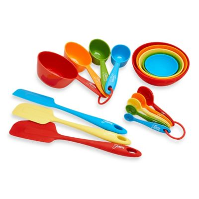 Fiesta® 17 Piece Measuring And Baking Set