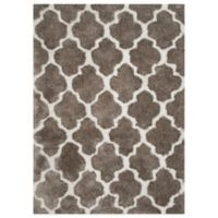 Safavieh Nantucket Collection 5-Foot x 8-Foot Barcelona Shag Rug in Silver/White