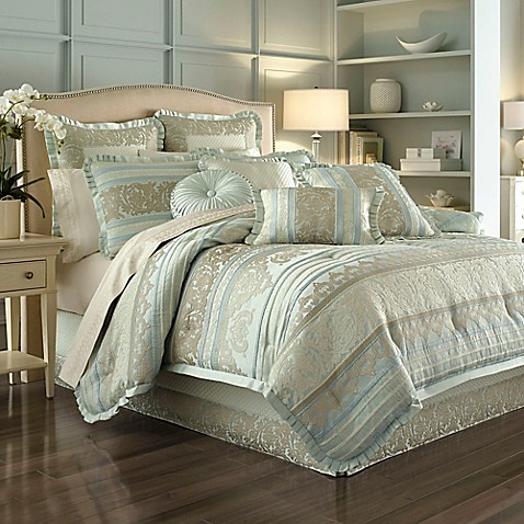 J Queen New York Marcello Comforter Set In Ivory Bed