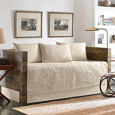Tommy Bahama 174 Nassau Quilted Daybed Bedding Set In Ivory