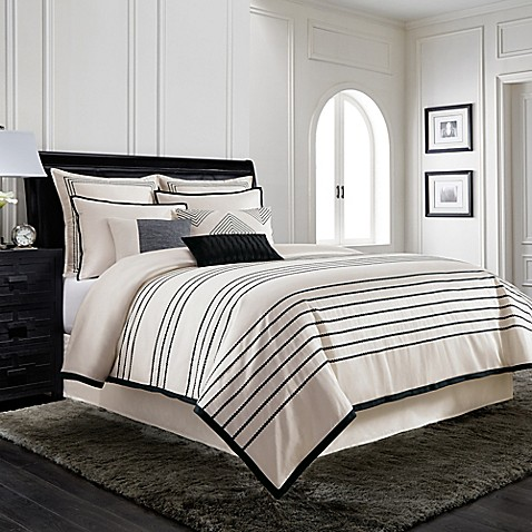 Wamsutta 174 Manhattan Jacquard Comforter Set In Creme Bed