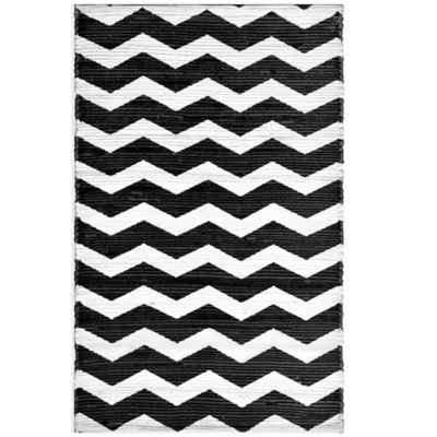 Anthology™ Chindi Dhuri Chevron Rug in Grey