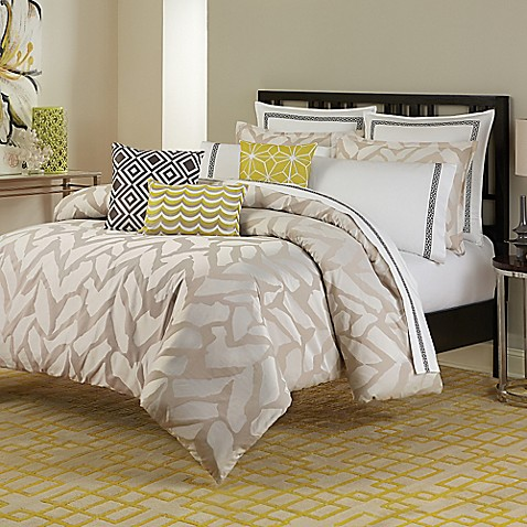 Trina Turk Giraffe Duvet Cover Set In Taupe
