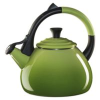 Le Creuset® Oolong Kettle in Palm