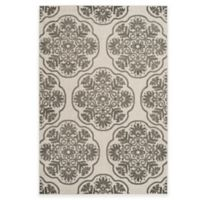 Safavieh Cottage Medallion 5-Foot 3-Inch x 7-Foot 7-Inch Indoor/Outdoor Rug in Grey/Cream