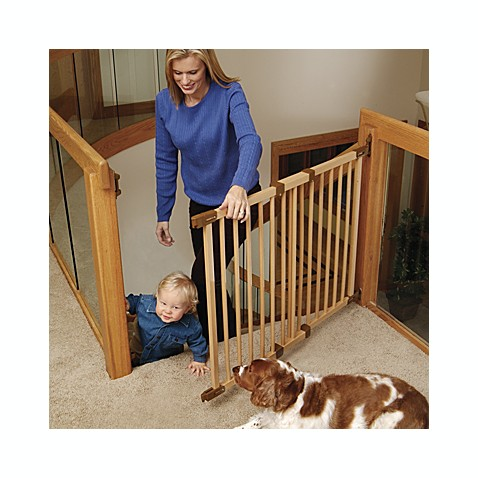 KidCo Angle-Mount Wood Safeway® Safety Gate and Extension Gate - Bed ...