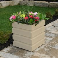 Mayne Freeport Patio Planter in Clay