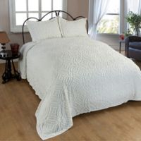 Wedding Ring Chenille Full Bedspread in Ivory