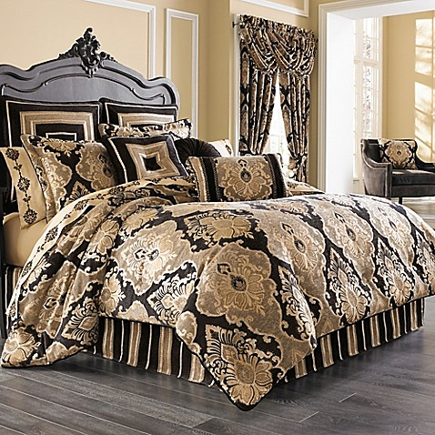 J Queen New York Bradshaw Black Comforter Set In Black