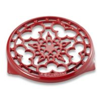 Le Creuset® Deluxe 9-Inch Round Trivet in Red