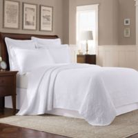 Williamsburg Abby Twin Coverlet in White