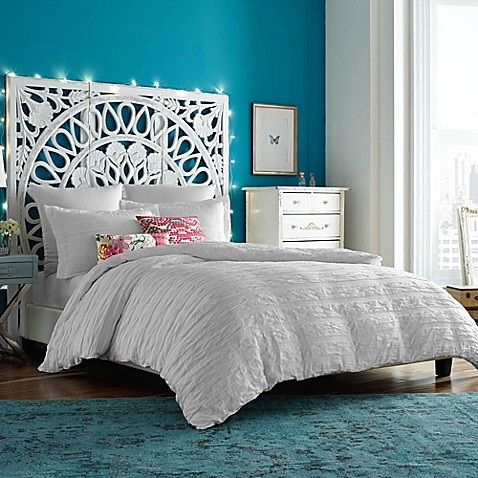 anthology™ tia duvet cover in white - bed bath & beyond