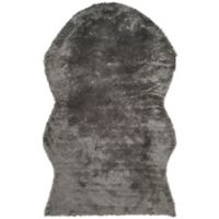 Safavieh Faux Sheep Skin Hide 4-Foot x 6-Foot Area Rug in Grey