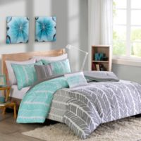 Intelligent Design Adel Twin/Twin XL Duvet Cover Set in Aqua