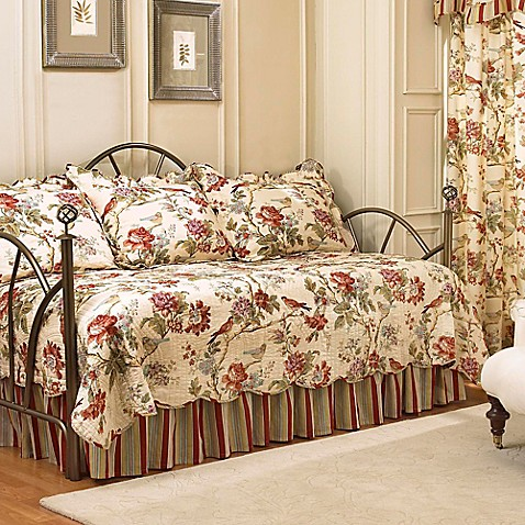Waverly 174 Charleston Chirp Reversible Daybed Bedding Set In