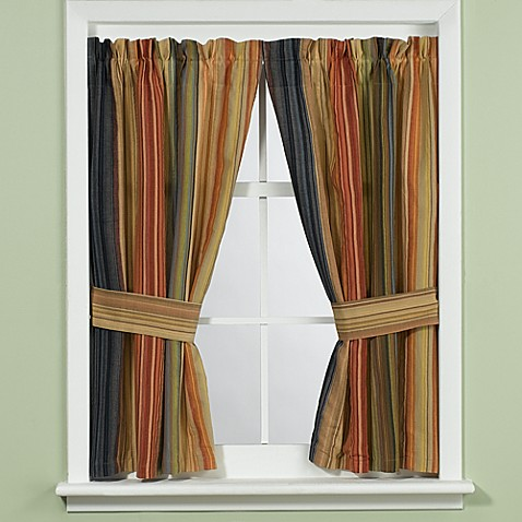 Retro Chic Bath Window Curtain with Tiebacks