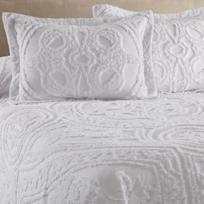 Elegant Strallan Full Bedspread In White