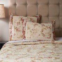 Gracie King Quilt in Ivory