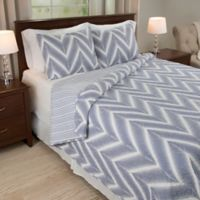 Nottingham Home Oriana 3-Piece Reversible King Quilt Set in Blue/White
