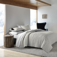 ED Ellen DeGeneres Horizon King Quilt in Grey