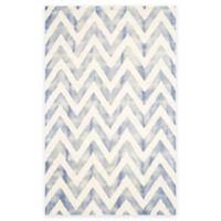 Safavieh Dip Dye Chevron 6-Foot x 9-Foot Hand-Tufted Wool Area Rug in Ivory/Blue