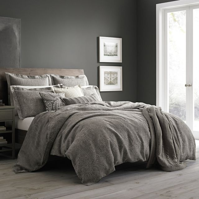 Wamsutta 174 Vintage Paisley Linen Duvet Cover In Grey Bed