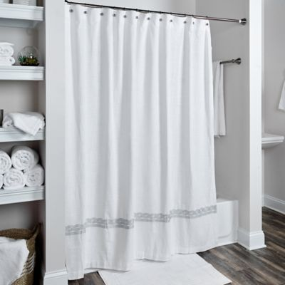 Rizzy Home Cable Embroidered Shower Curtain In White/Silver