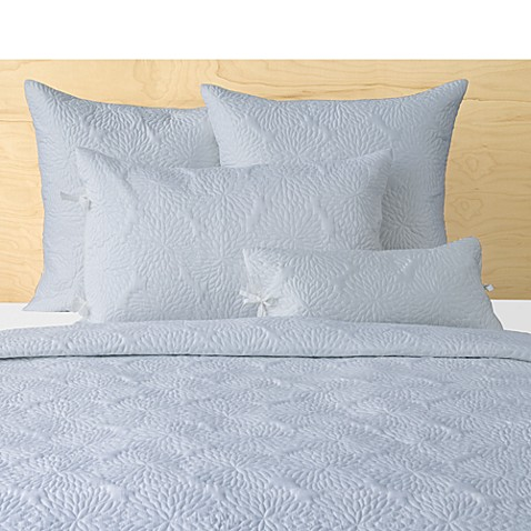 Dkny Chrysanthemum White Full Queen Quilt Bed Bath Amp Beyond