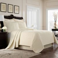 Williamsburg Richmond Queen Coverlet in Ivory