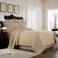 Williamsburg Richmond King Coverlet in Linen