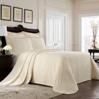 Williamsburg Richmond Queen Bedspread in Ivory