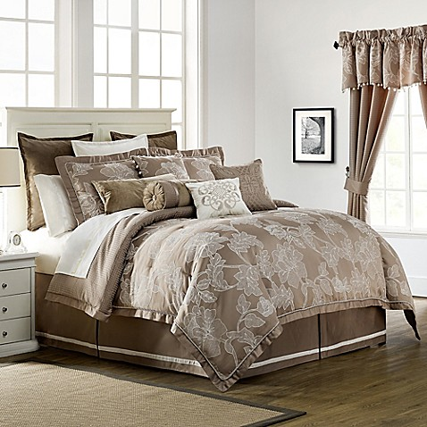 Waterford 174 Linens Trousseau Reversible Comforter Set In