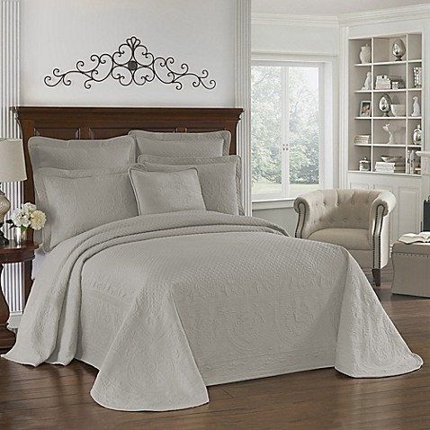 Historic Charleston Collection Matelasse Queen Coverlet in Grey