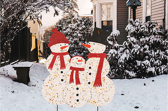 Yuletide, Outside: The Best Outdoor Holiday Decorations to Wow Your Neighbors