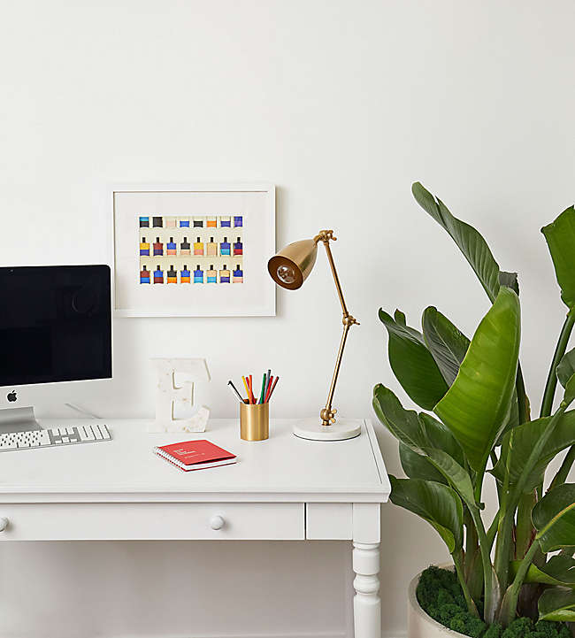 """How to Design Your Own """"Dorm Room"""" at Home"""