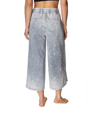 BLEACH WASH FLARED CROP SWEATPANT SILVER