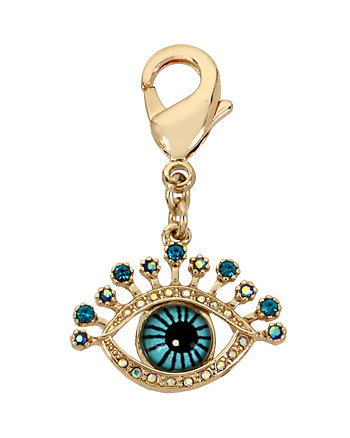 CHARMING BETSEY EXCLUSIVE EYE