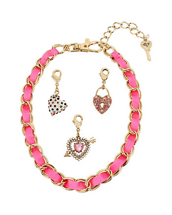 CHARMING BETSEY EXCLUSIVE HEART SET