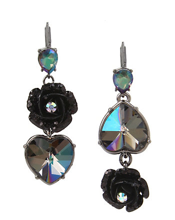 DARKNESS HEART MISMATCH EARRINGS