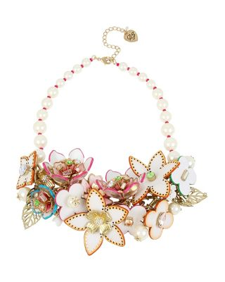 FLAT OUT FLORAL STATEMENT NECKLACE MULTI
