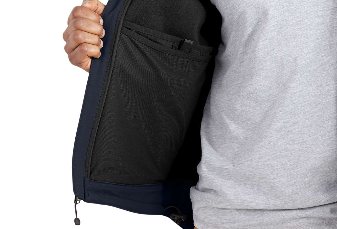 Large inner document-pocket protects paperwork