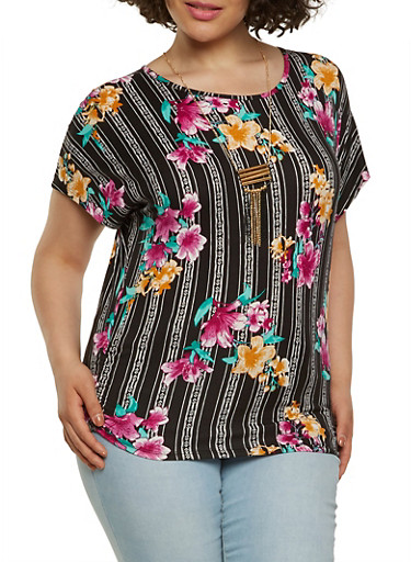 Plus Size Floral Tee with Necklace,BLACK,large