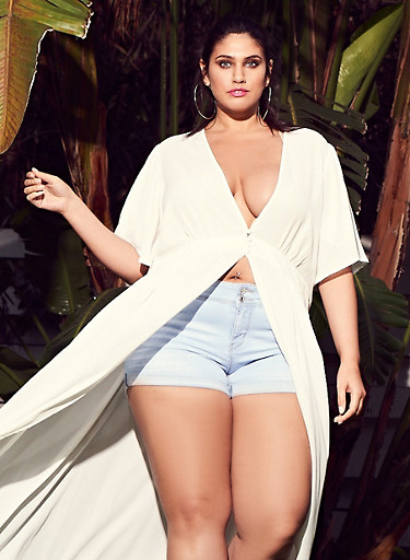 Plus Size WAX Push Up Denim Shorts,LIGHT WASH,large