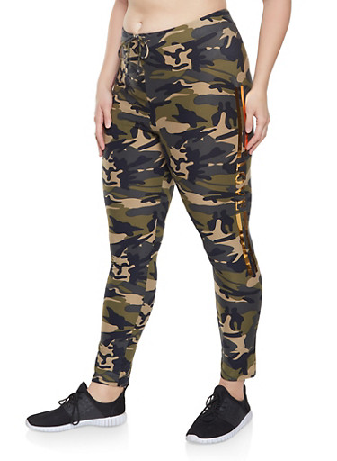 Plus Size Love Graphic Camo Leggings,OLIVE,large